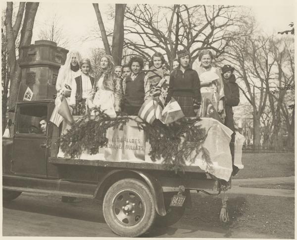 Mount Holyoke students in anti-war demonstration, 1933