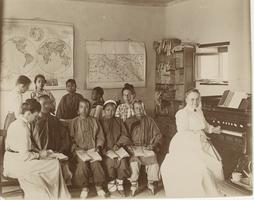 Viette Brown Sprague teaching Chinese Women, 1903