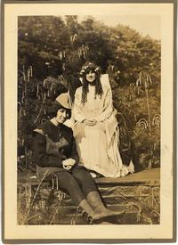 May Queen and Robin Hood 1915