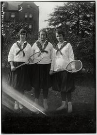Sophomore tennis team, l-r, Wilma Bachelder '22, Ruth Walton '22, and Grace Cornelia Peck '22, from a Kinney glass plate negative