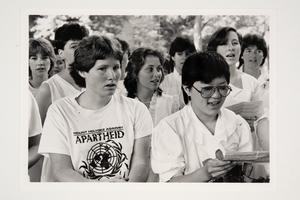 Graduating seniors from the Class of 1987 singing at the conclusion of the Laurel Parade during Commencement Weekend