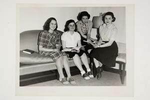 Group of international refugee students, including Anneliese Pulverman '40 MA '41, on the far left