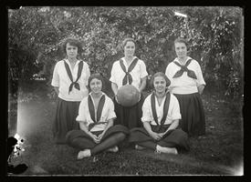 Senior Basketball Team 1920-21