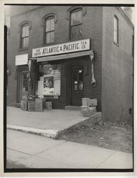 Front facade of The Great Atlantic & Pacific Tea Co. shop in South Hadley Center
