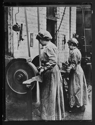 World War I: Women war workers, Great Britain YWCA of the U.S.A. photographic records